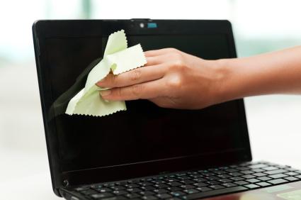 ve-sinh-laptop-thu-duc