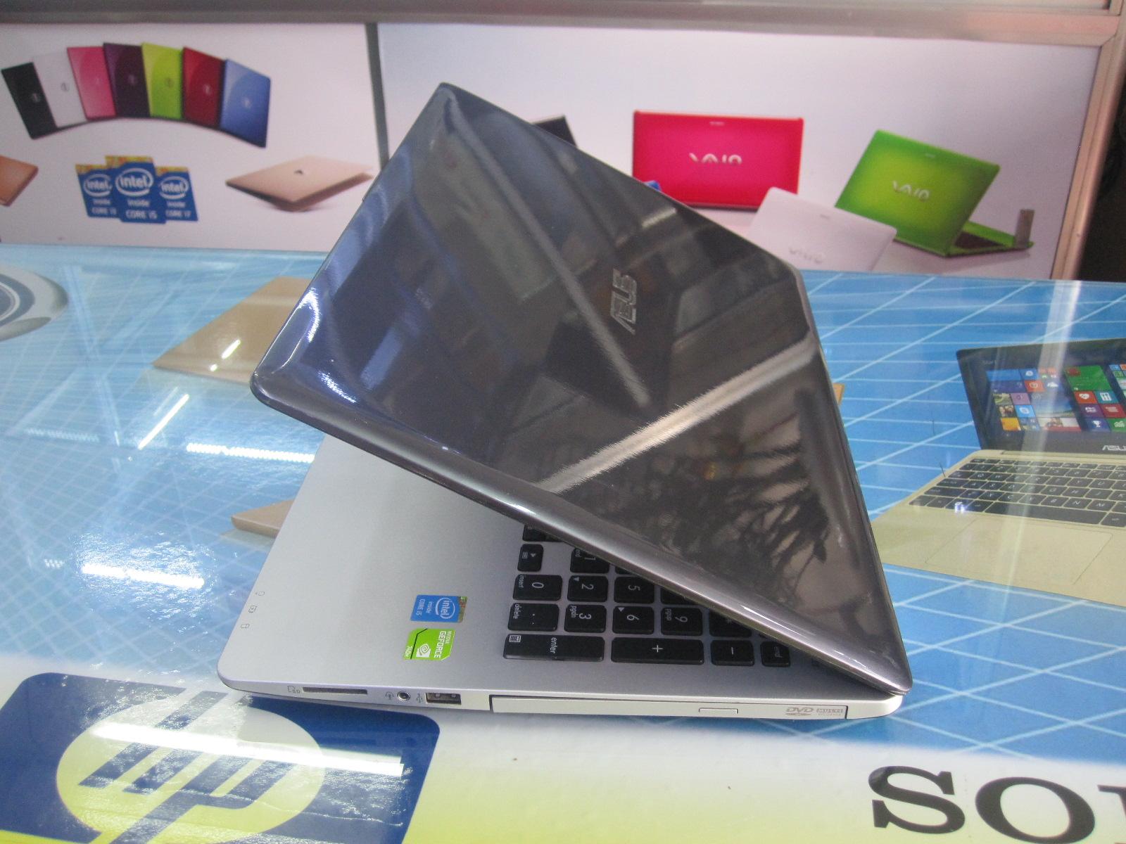 laptop cu asus