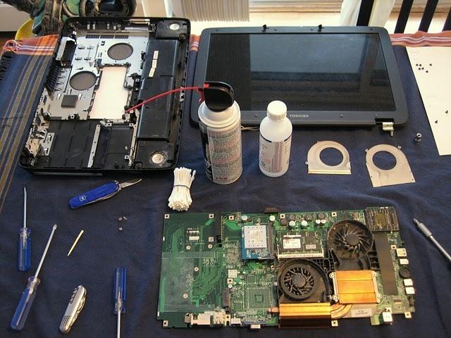 vệ sinh laptop cũ