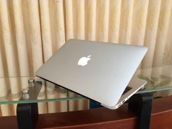 MacBook air A1370 (2)