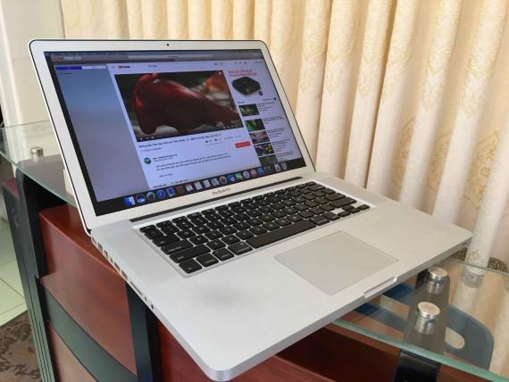 MacBook pro 15 core i7 (4)