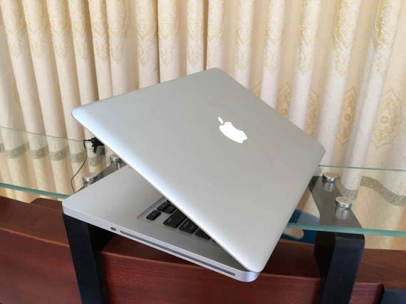 MacBook pro i7 13 (1)