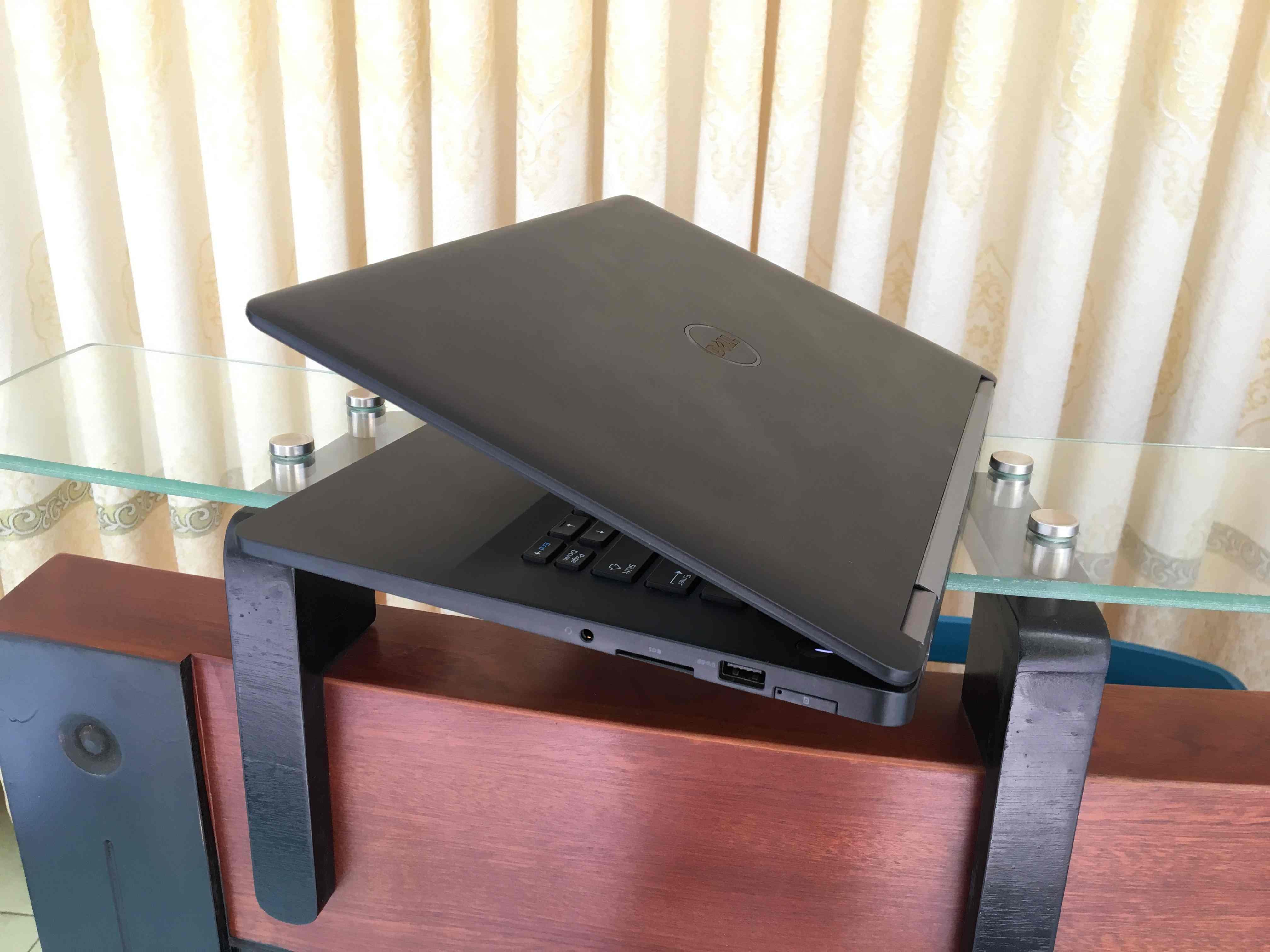 Dell Latitude E7470 (11)