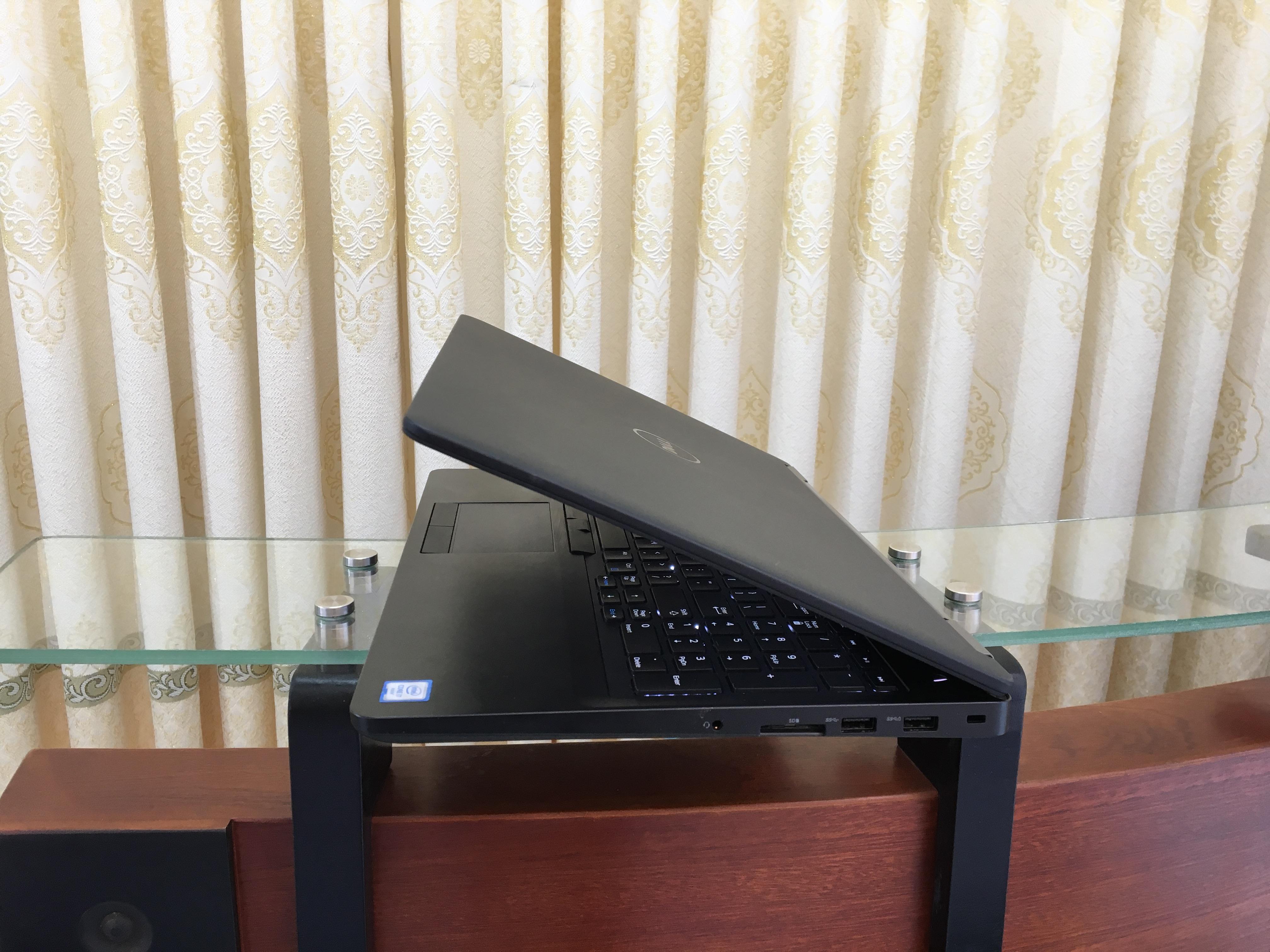 Dell latitude E5570 i7 (2)