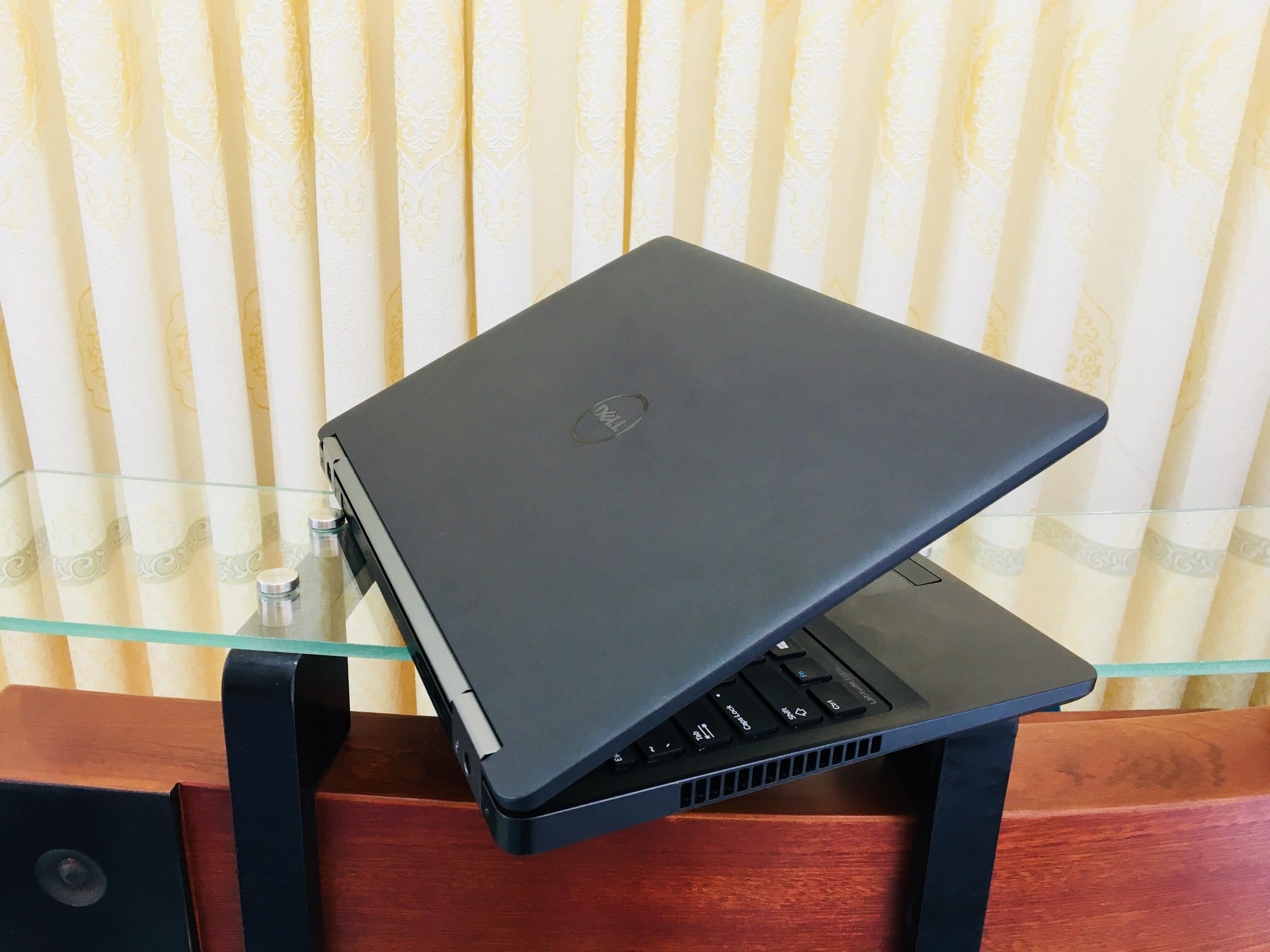 Dell latitude E5570 i7 (6)