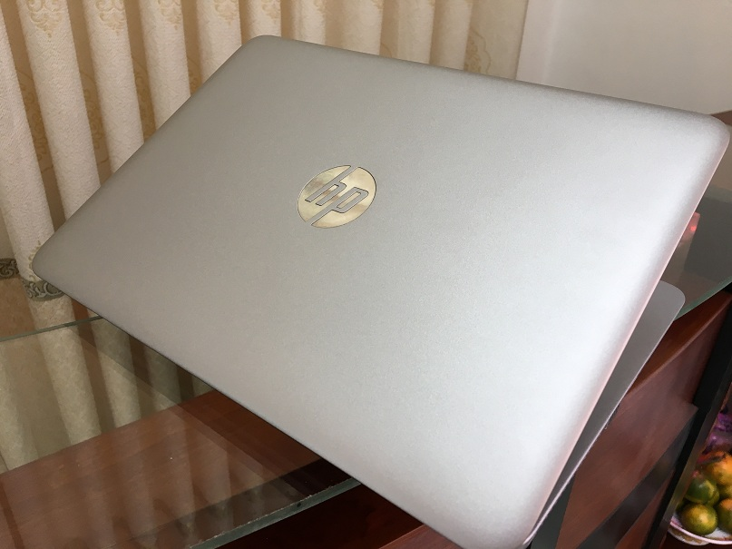 HP elitebook 820 g3 (3)