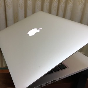 "MacBook Pro Retina EMC 2835( 2015) Core i5-2.7GHz/ Ram 8GB/ SSD 128GB/ 13 ""Inch Retina"