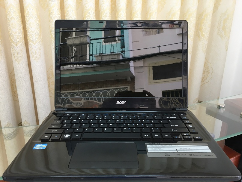 Acer E1-470 (1)