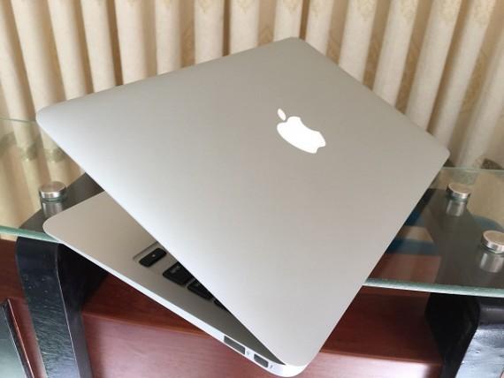 MacBook Air A1370 (1)