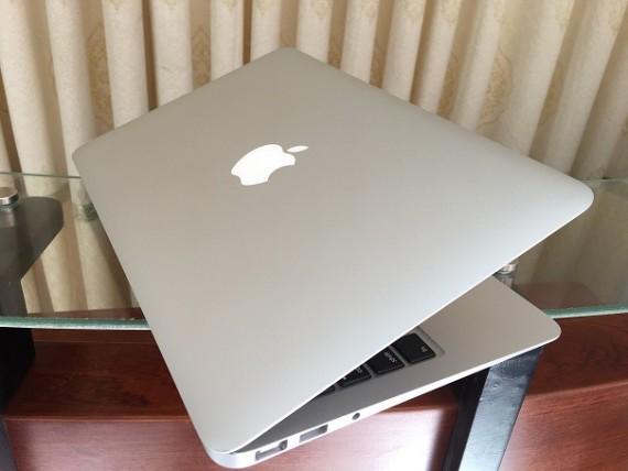 MacBook Air A1370 (2)